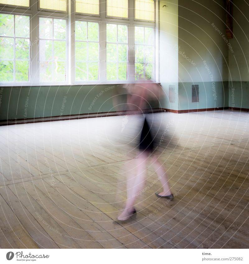 Ghost Dancing   Unfinished Ballroom Story (II) feminin 1 Mensch Tanzen Tänzer Haus Mauer Wand Fenster drehen gehen stehen ästhetisch außergewöhnlich elegant