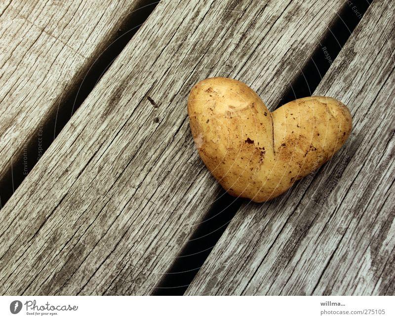 herz aus kartoffel zum valentinstag Liebe Holz Gesundheit Lebensmittel Herz Geburtstag dreckig Ernährung Gesunde Ernährung Romantik Symbole & Metaphern diagonal