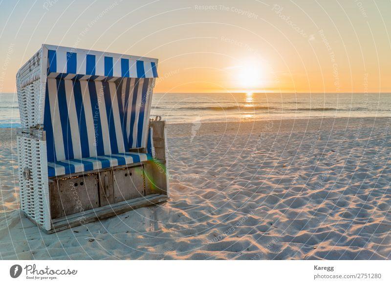 Beach on an island of the North Sea Landschaft Sonne Sommer Schönes Wetter Wärme Strand Nordsee Stimmung ruhig Sehnsucht Fernweh Farbfoto Außenaufnahme