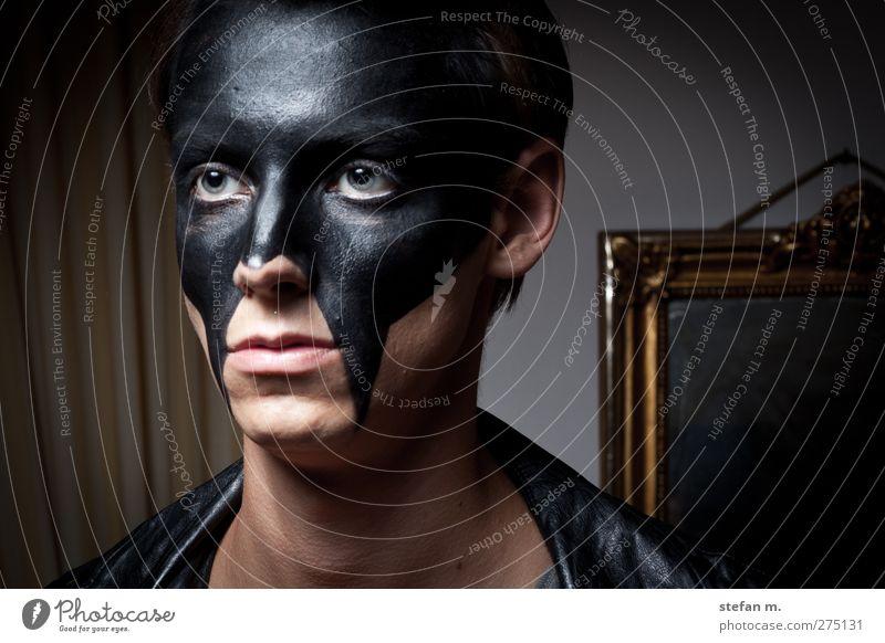 black mirror Mensch Mann Jugendliche schwarz Erwachsene Liebe dunkel Tod kalt Traurigkeit Stil Denken Mode Kunst 18-30 Jahre warten