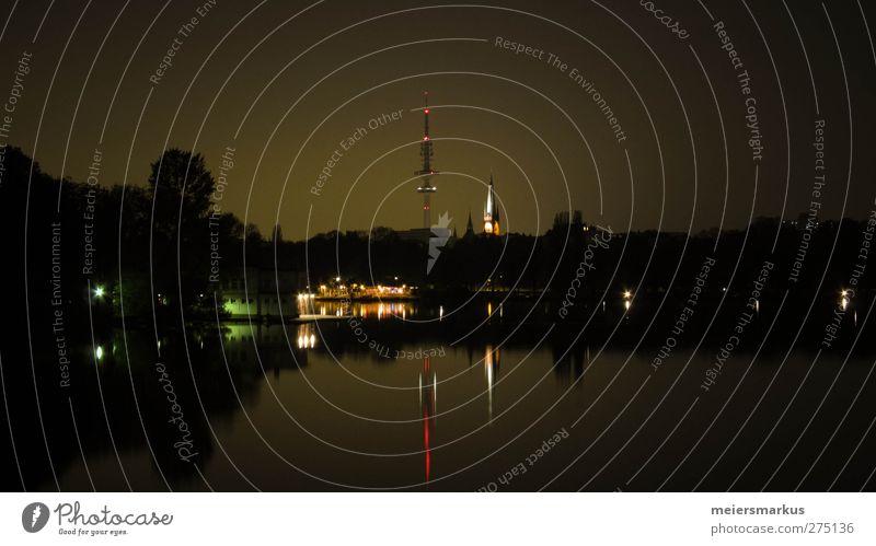 Stadtsee bei Nacht Ferien & Urlaub & Reisen ruhig Haus Erholung Religion & Glaube Horizont Häusliches Leben Hamburg Wandel & Veränderung Turm Skyline