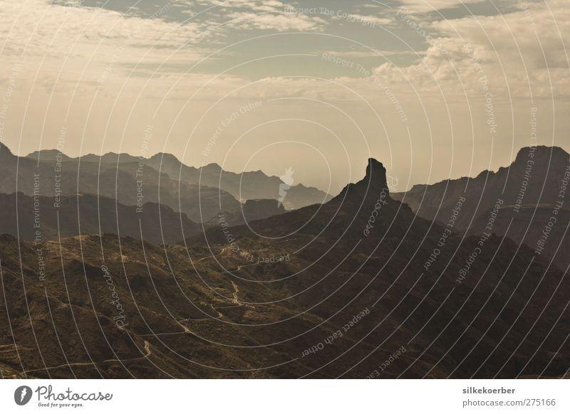 Berg Himmel Natur Sommer Wolken ruhig Landschaft Berge u. Gebirge Felsen Erde Beginn Abenteuer Schönes Wetter Gipfel Hügel Gran Canaria