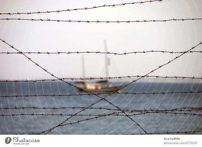 behind the curtain Natur Wasser Ferien & Urlaub & Reisen Meer ruhig Ferne Freiheit Horizont Stimmung Ausflug Hoffnung Schifffahrt Zukunftsangst gefangen Justizvollzugsanstalt Segelboot