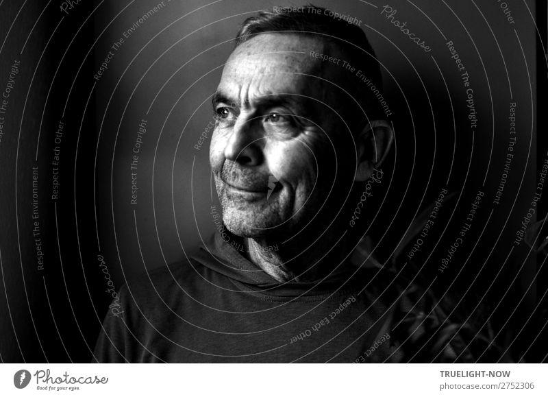 Mann (70) im Halbprofil (Selfie) Lifestyle harmonisch Wohlgefühl ruhig Ferne Häusliches Leben Erwachsene Männlicher Senior Kopf Haare & Frisuren Gesicht 1