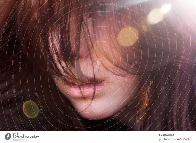 Schau mich an Mensch feminin Junge Frau Jugendliche Kindheit Haare & Frisuren Mund 1 brünett langhaarig Pony Ferne heiß rebellisch schön stark braun Farbfoto
