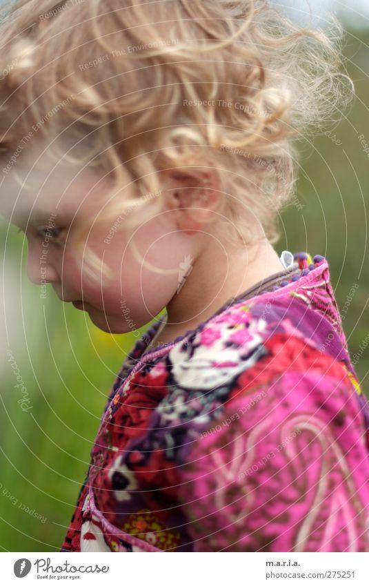 Rosa Mensch Kind Natur Ferien & Urlaub & Reisen Pflanze Sommer Mädchen Freude Umwelt feminin Spielen Frühling Freiheit Glück Kopf Garten