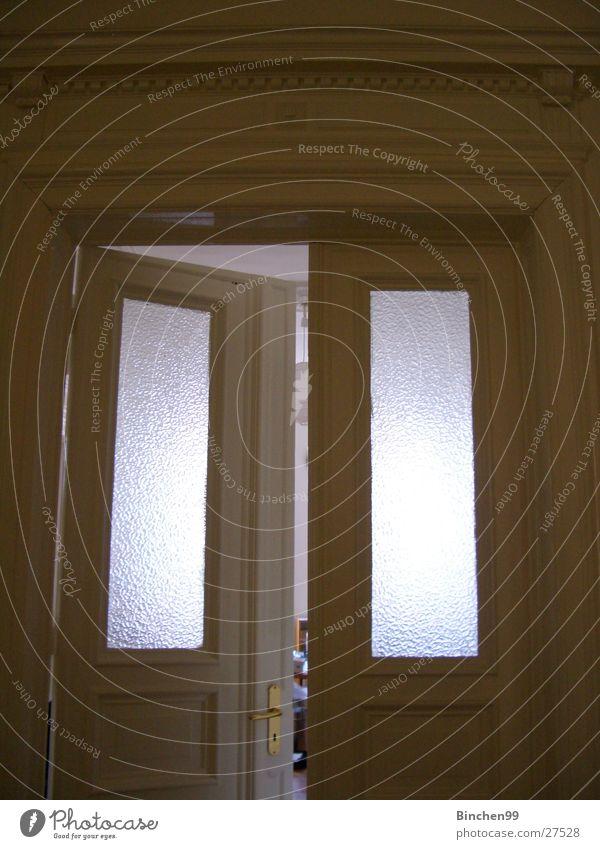 Komm rein... oben Fenster Raum Wohnung Tür offen Häusliches Leben Altbau