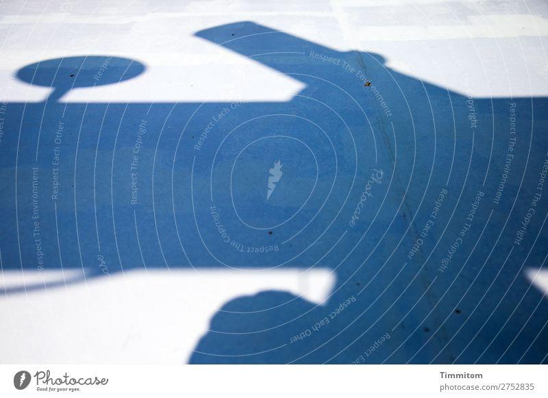 Schattenspiel blau weiß grau Linie Schifffahrt Gerät Schiffsdeck Passagierschiff