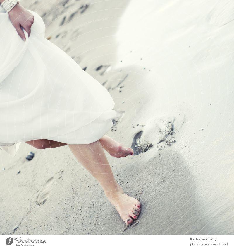 Footsteps in the sand Mensch Frau Wasser Ferien & Urlaub & Reisen weiß Sommer Meer Strand Erwachsene feminin Leben Wärme grau Sand Beine Mode