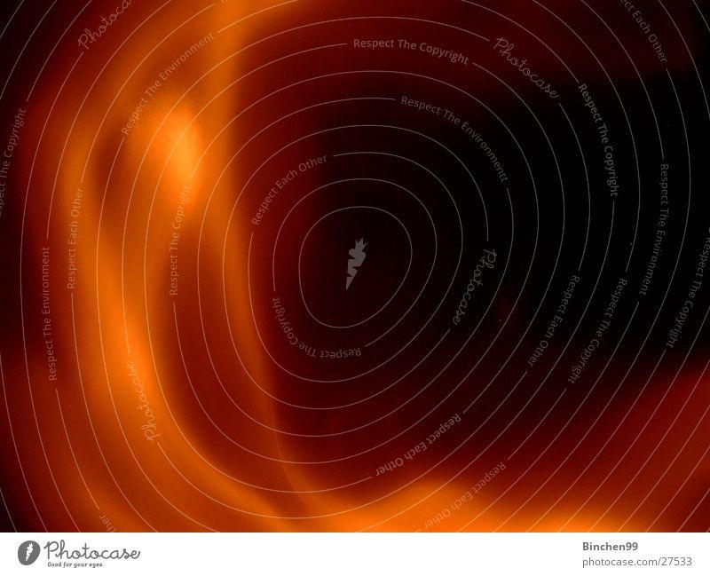 Feuerrauch braun rot schwarz Langzeitbelichtung Rauch Wasserdampf orange