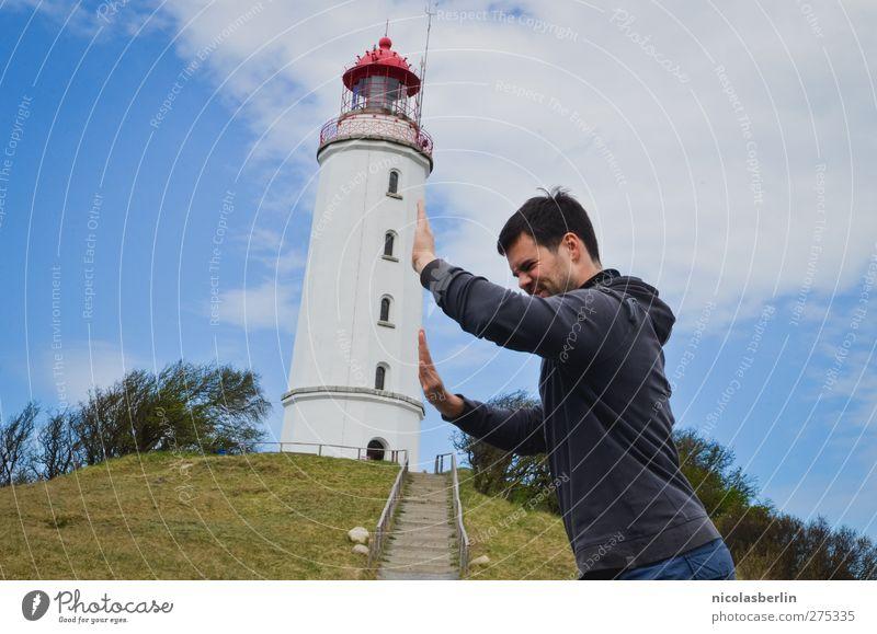Hiddensee | Italien des Nordens Mensch Himmel Jugendliche Wolken Erwachsene Gebäude lustig Junger Mann Kraft außergewöhnlich 18-30 Jahre Insel Turm einzeln