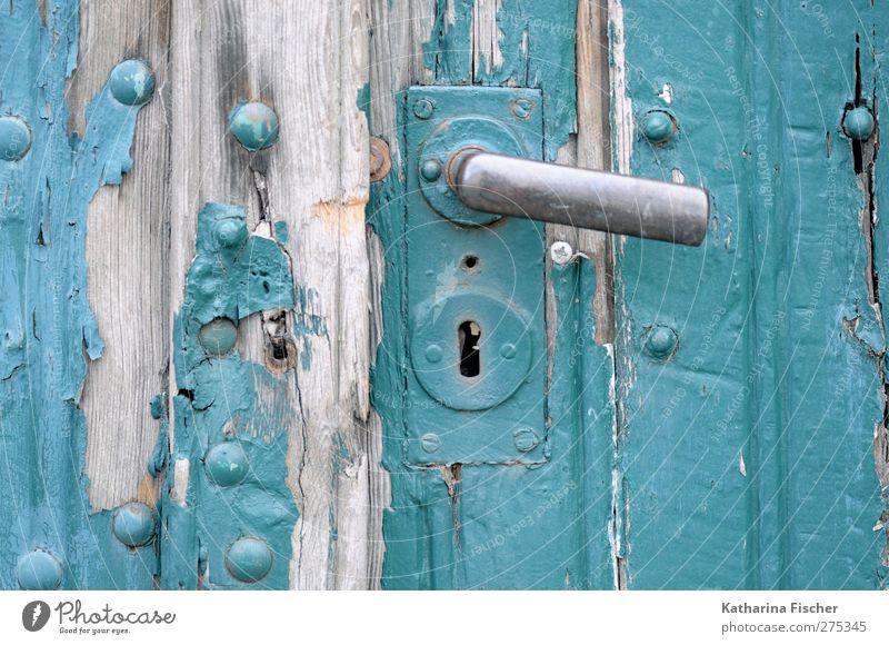 Alte Geschichten alt Holz Tür Tor türkis silber Griff abblättern Türschloss
