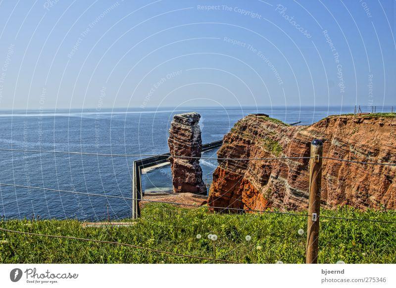 Die Lange Anna von Helgoland Natur Wasser Ferien & Urlaub & Reisen Sommer Meer Landschaft Gras Küste Horizont Felsen Wellen wandern Insel Tourismus Ausflug