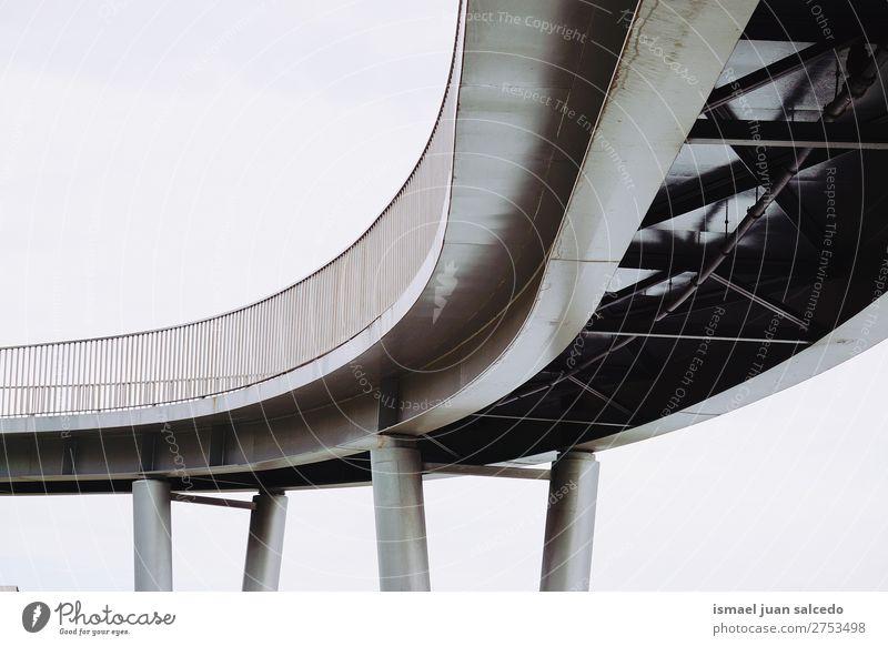 Brückenarchitektur in der Stadt Architektur Wege & Pfade Straße Großstadt Park Außenaufnahme Zaun Strukturen & Formen Konstruktion Hintergrund Bilbao Spanien