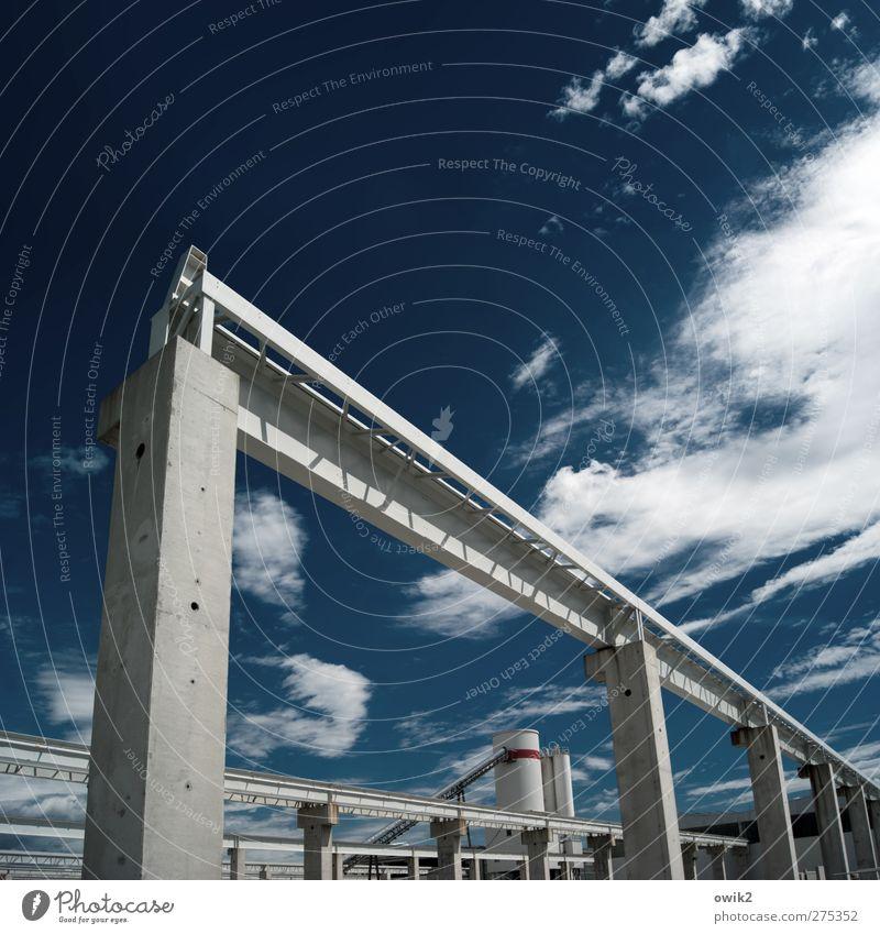 Aufschwung Ost blau Architektur Gebäude grau Kraft Erfolg Technik & Technologie hoch groß Zukunft Beton Industrie Baustelle Bauwerk eckig Branche
