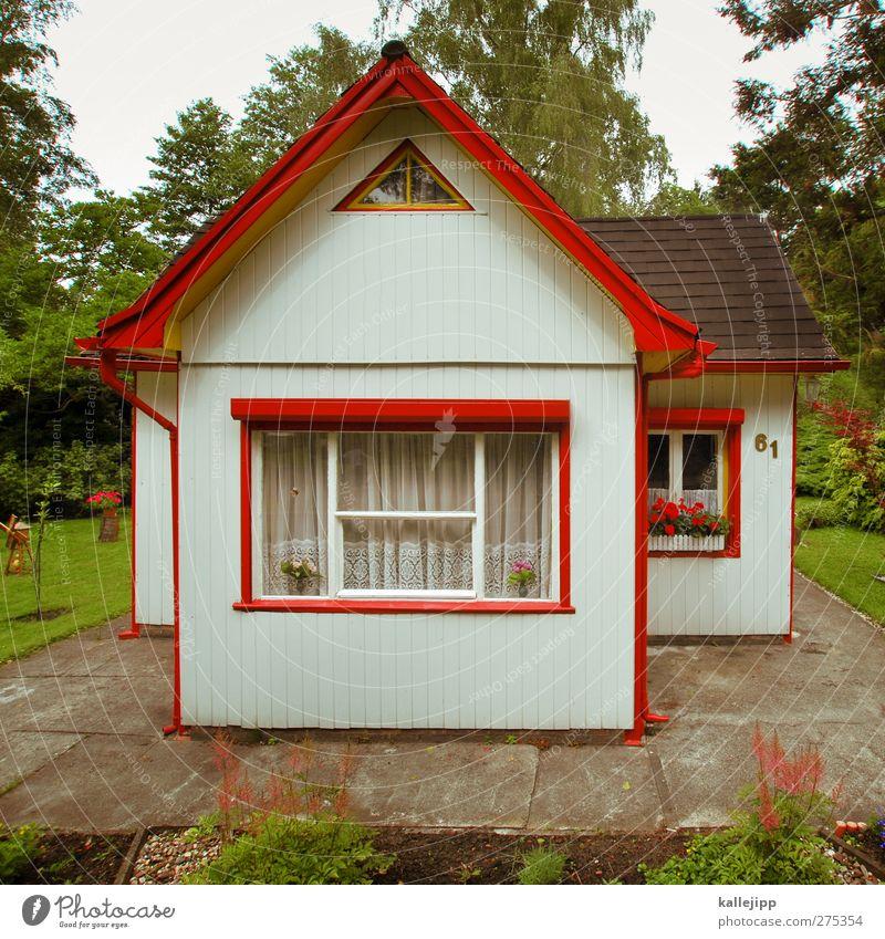 knusper, knusper, knäuschen Sommer Blume Haus Fenster klein Garten Fassade Freizeit & Hobby Tourismus authentisch Häusliches Leben Lifestyle Dach einzigartig Dorf Hütte