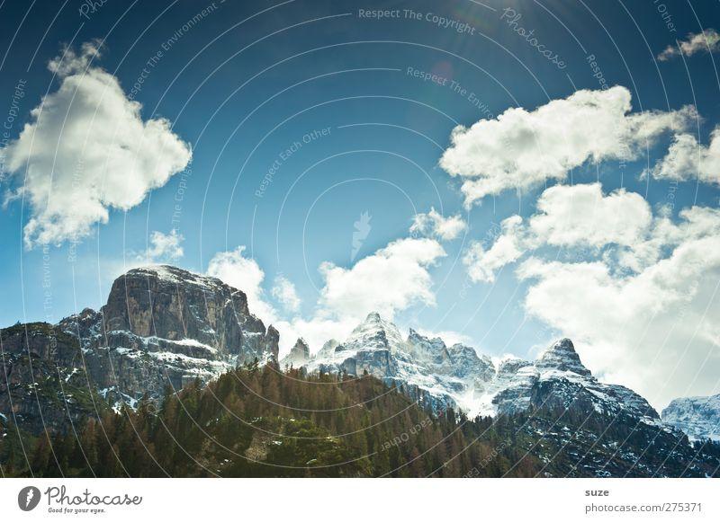Berg mit Charme Himmel Natur blau Ferien & Urlaub & Reisen Wolken Wald Landschaft Umwelt Berge u. Gebirge Frühling Felsen außergewöhnlich Klima groß Urelemente