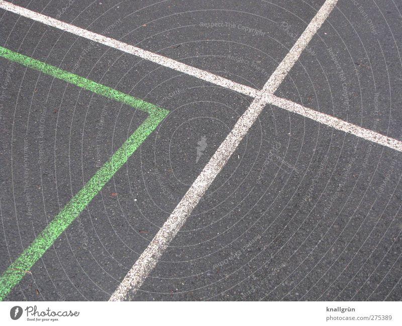 Ecken und Kanten Freizeit & Hobby Spielen Sportplatz Spielfeld Spielfeldbegrenzung Schilder & Markierungen eckig grau grün weiß Freude Genauigkeit Kontakt