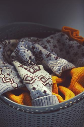 Ästhetik der Schmutzwäsche Winter Herbst Wärme gelb Mode grau Häusliches Leben Wohnung ästhetisch Bekleidung weich Bad Stoff Umzug (Wohnungswechsel)