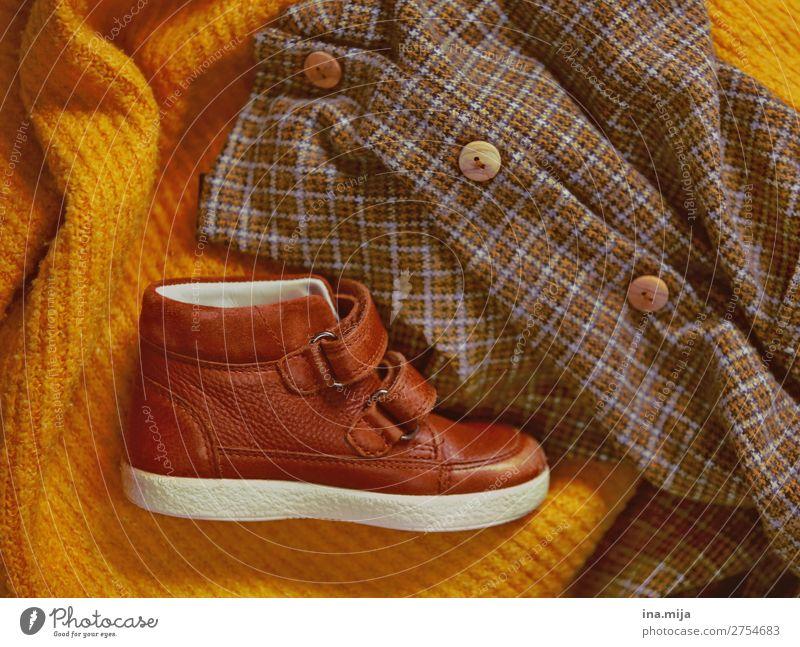 warm durch die Kälte Stil Mode Bekleidung Pullover Stoff Leder Wolle Wollpullover Filz Knöpfe Schuhe Kinderschuhe trendy kalt kuschlig Wärme weich kariert