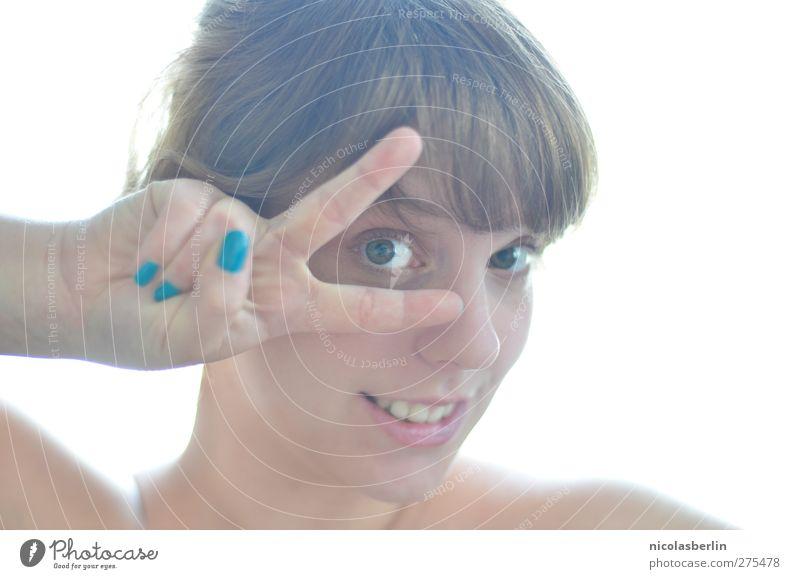 Lass Frieden sein. Mensch Jugendliche Hand Freude Gesicht 18-30 Jahre Erwachsene Leben feminin lustig Haare & Frisuren Glück einzeln Fröhlichkeit Finger positiv