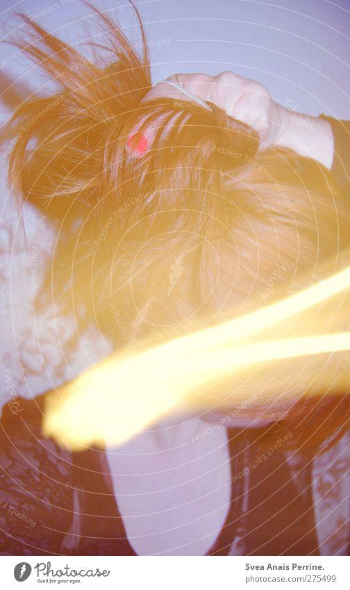 goldenergllitzer zopf. feminin Junge Frau Jugendliche Haut Haare & Frisuren Gesicht 1 Mensch 18-30 Jahre Erwachsene Mode T-Shirt Nagellack Dutt rothaarig