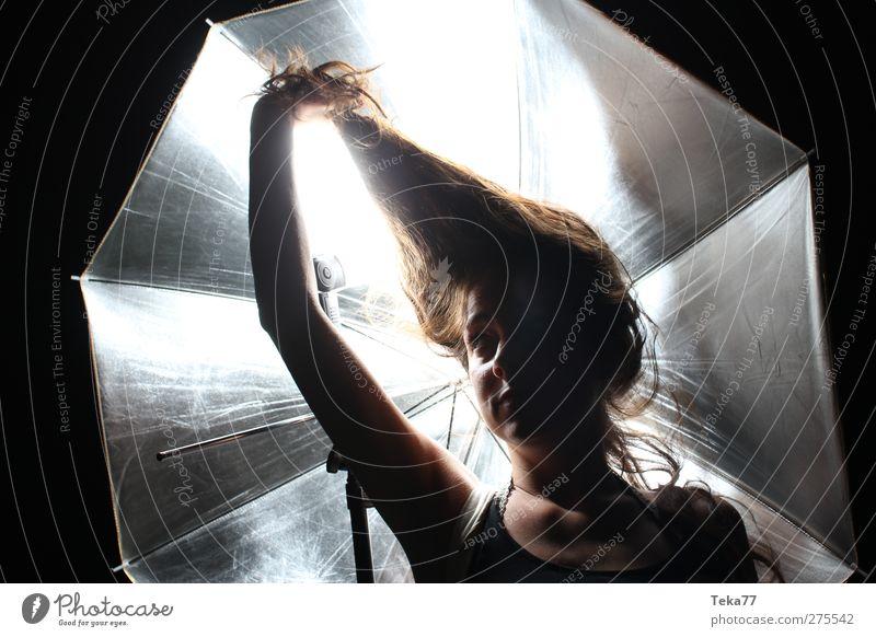 Zum Haare raufen Technik & Technologie Mensch feminin Junge Frau Jugendliche Erwachsene Kopf Haare & Frisuren Gesicht 1 18-30 Jahre Kunst schwarzhaarig brünett