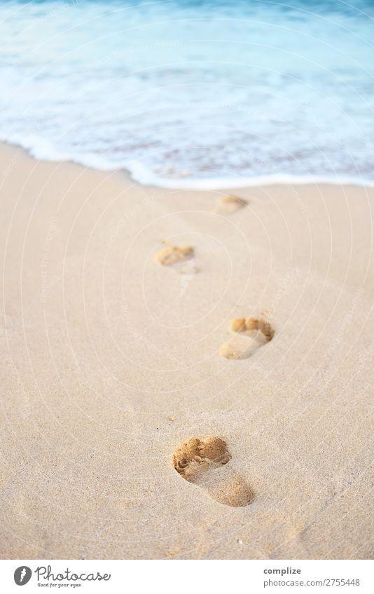 Fußspuren ins Meer Ferien & Urlaub & Reisen Sommer Wasser Sonne Ferne Strand Gesundheit Küste Glück Gesundheitswesen Tourismus Schwimmen & Baden Wellen Insel