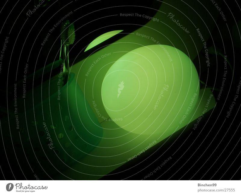 grünes licht schief schwarz Lampe verrückt Bad Häusliches Leben Kugel Zahnbürste