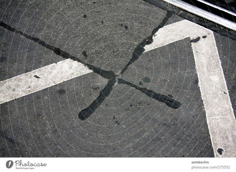 X 2 schön Straße Wege & Pfade Linie Schilder & Markierungen Verkehr Ecke gut Asphalt Straßenkreuzung Reparatur Orientierung Wegkreuzung repariert