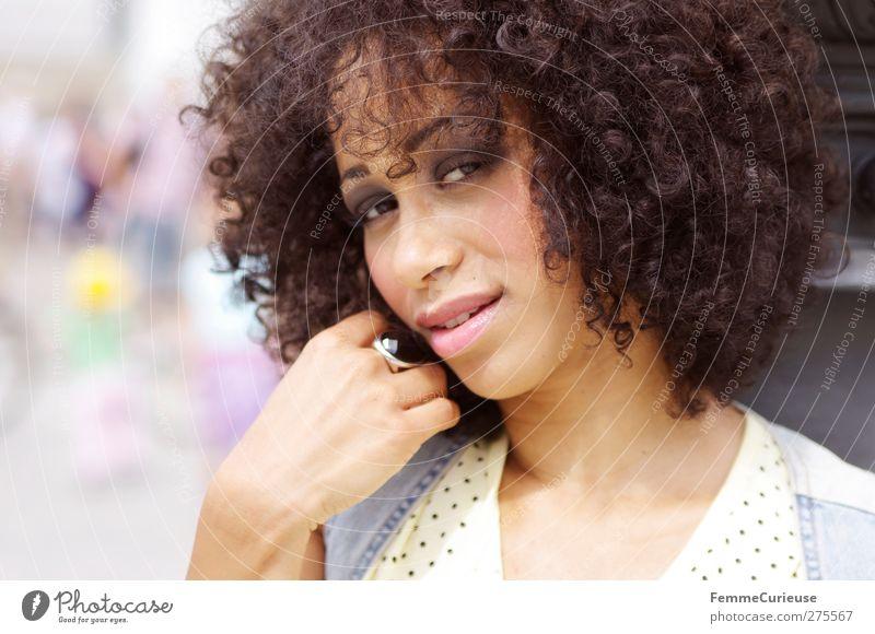 City girl. :) Lifestyle Stil schön feminin Junge Frau Jugendliche Erwachsene 1 Mensch 18-30 Jahre Freizeit & Hobby Afroamerikaner Afro-Look Karibik Afrikanisch