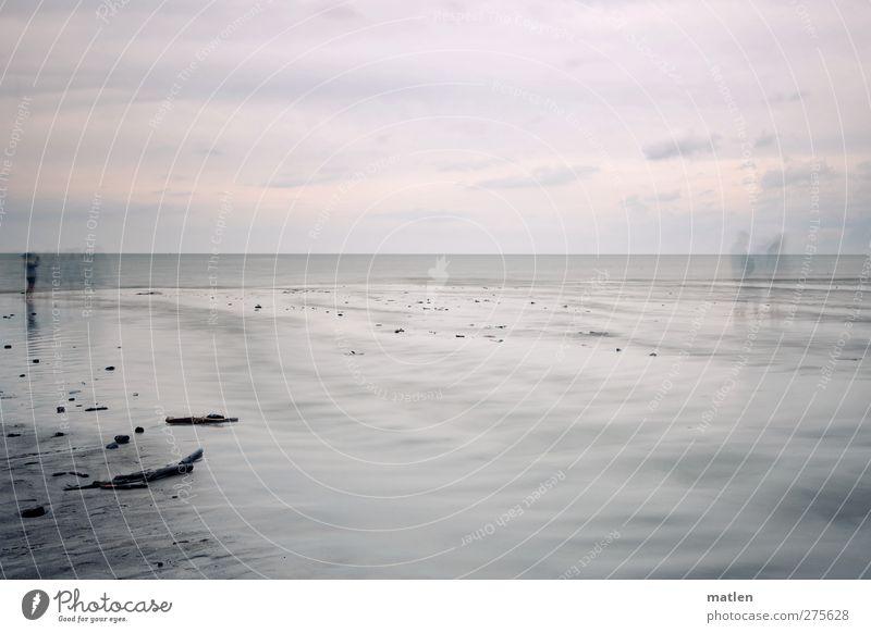les fantômes Mensch Himmel Wasser Meer Wolken Landschaft Küste grau Sand Horizont gehen Wetter stehen Erinnerung Erscheinung Wolkenhimmel