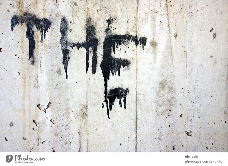 MUNSTERS Mauer Wand Fassade Farbe Beton Schriftzeichen Graffiti Typographie gruselig schwarz Angst Englisch Farbfoto Gedeckte Farben Strukturen & Formen