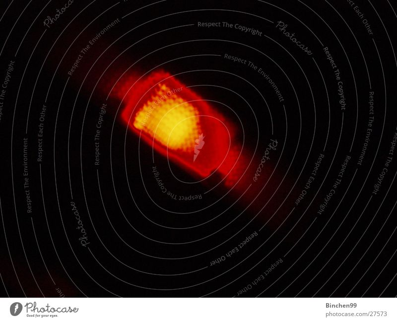Roter Blender rot Licht Lampe schwarz quer dunkel Häusliches Leben orange Singnal