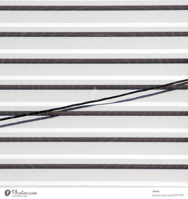 Ruhestörung Wand Mauer lustig Metall außergewöhnlich Fassade Energiewirtschaft Ordnung ästhetisch Kabel Telekommunikation Technik & Technologie fest