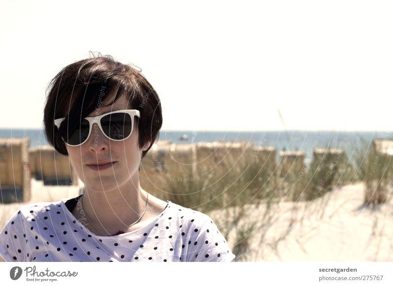 sugar spun sister Mensch Jugendliche weiß Ferien & Urlaub & Reisen schön Sommer Strand schwarz Erwachsene feminin Haare & Frisuren Junge Frau Stil hell