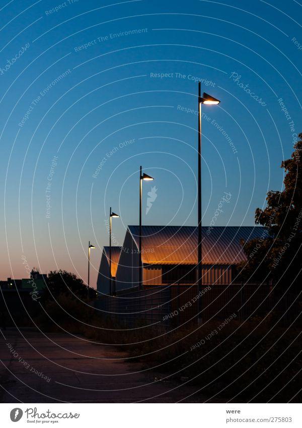 Nachtwächter Natur Sommer Haus Erholung Ferne Gefühle Architektur Gebäude Lampe Zufriedenheit Fassade Tourismus Ausflug authentisch ästhetisch Sicherheit