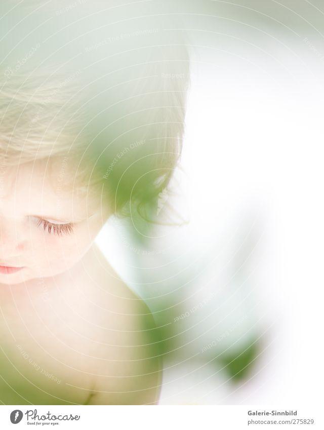 Child Dreaming Mensch Kind weiß grün schön Mädchen Erholung Leben Junge Glück Denken träumen hell Zufriedenheit blond Kindheit