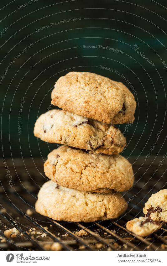 Gestapelte Cookies Plätzchen gebastelt Hand Brötchen Putten Nahaufnahme Lebensmittel Dessert süß Snack Backwaren Bäckerei Biskuit backen heimwärts