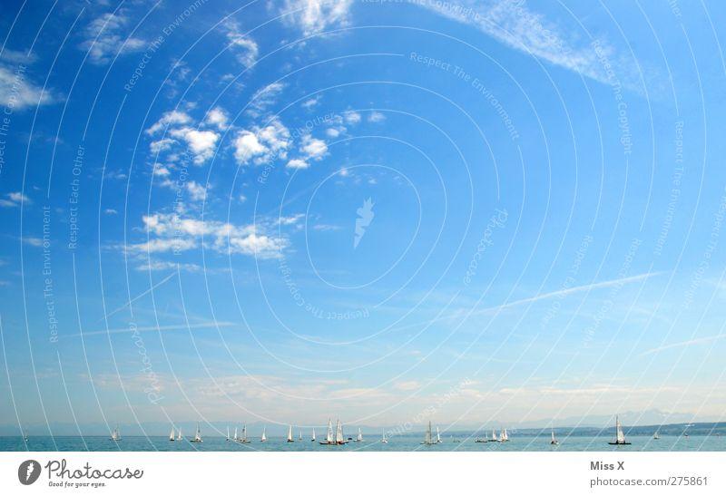 Sommertag Ferien & Urlaub & Reisen Tourismus Ferne Sommerurlaub Meer Landschaft Himmel Wolken Schönes Wetter Küste See blau Bodensee Segelschiff Wasserfahrzeug