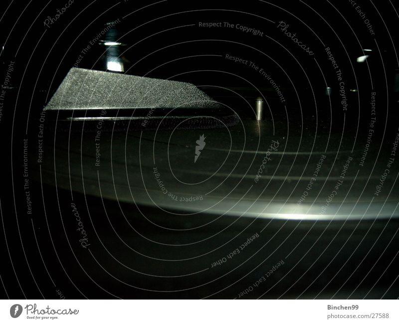 Plattenteller Schallplatte dunkel Nacht Elektrisches Gerät Technik & Technologie Scharz silber Musik
