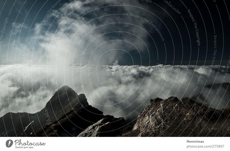 Himmelsgewölke. Natur blau Ferien & Urlaub & Reisen Sommer Wolken schwarz Landschaft Ferne Umwelt Berge u. Gebirge Leben Freiheit grau Stein Luft