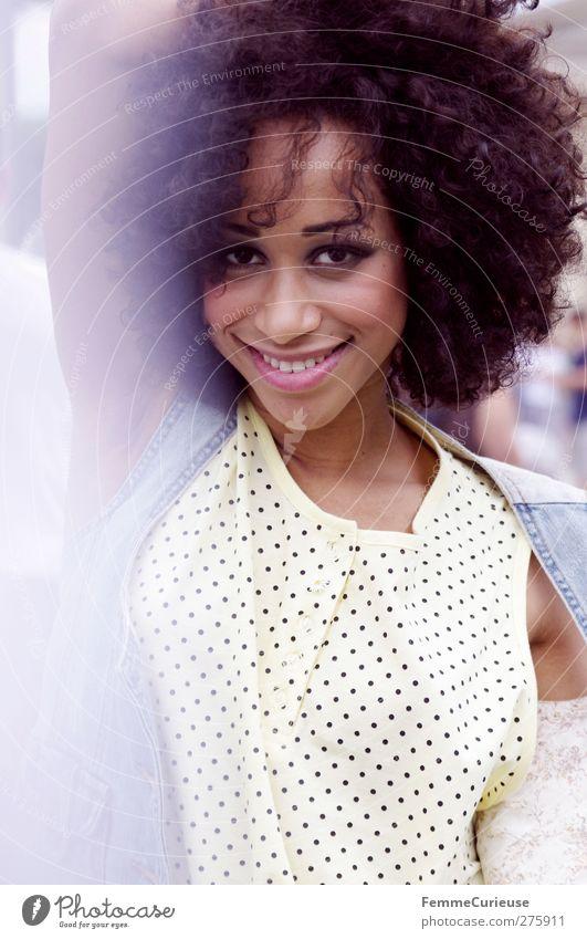 Just her. Mensch Frau Jugendliche schön Sommer Freude Erwachsene feminin Leben Junge Frau Glück Stil Mode 18-30 Jahre elegant Lifestyle