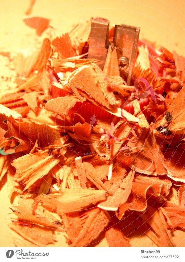 Wilder Haufen Holz Müll obskur Bleistift Rest Splitter Anspitzer