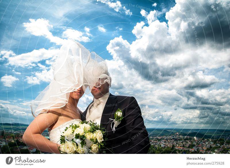 Eine Hochzeit die ist schön... Mensch Jugendliche blau Sommer Erwachsene feminin Leben Glück Paar Mund maskulin Fröhlichkeit Zukunft Warmherzigkeit