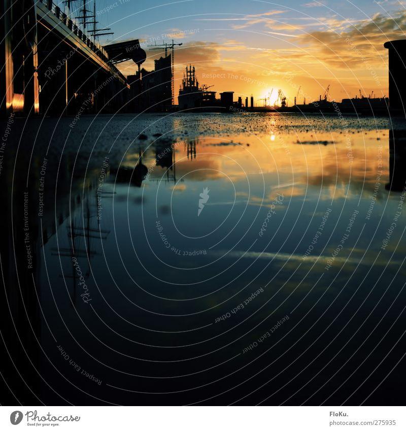 Landungsbrücken Tourismus Wasser Sonne Sonnenaufgang Sonnenuntergang Sonnenlicht Schönes Wetter Hamburg Stadt Hafenstadt Stadtzentrum Menschenleer