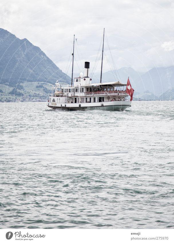 swissness² Umwelt Natur Wasser Himmel Herbst Wellen See Verkehrsmittel Verkehrswege Personenverkehr Öffentlicher Personennahverkehr Schifffahrt