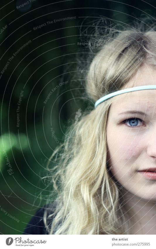 blonde Fee Mensch feminin Junge Frau Jugendliche Erwachsene Kopf Haare & Frisuren Auge 1 Accessoire Haarband langhaarig Locken Scheitel ästhetisch authentisch