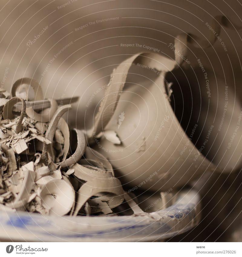 Fehlproduktion Kunst braun Arbeit & Erwerbstätigkeit Erde kaputt Müll Beruf Werkstatt Handwerker Berufsausbildung Recycling Rest Selbstständigkeit Fehler Azubi Keramik