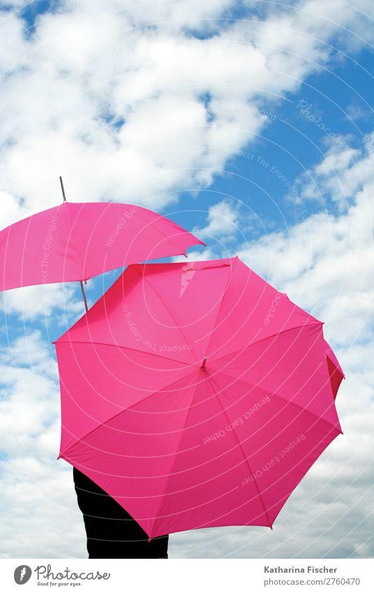 Regenschirme pink Himmel weiße Wolken Frühling Sommer Herbst Winter Wetter Schönes Wetter schlechtes Wetter blau rosa Klima Kreativität Kunst Sonnenschirm